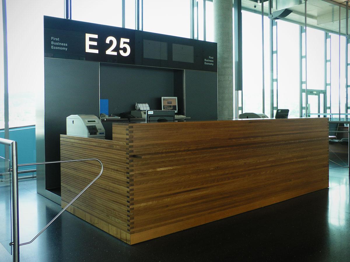 Signaletik_Flughafen_Zuerich_Dock-E_09